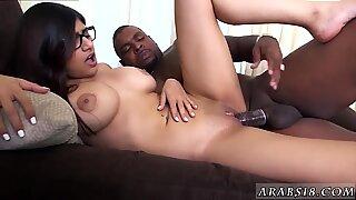 Hairy hardcore orgasm Mia Khalifa Tries A Big Black Dick - Renata Black