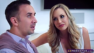 Lucky dude gives his favourite blonde porn star a pounding - Lucky Starr