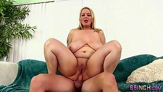 Bbw with big tits gets a facial