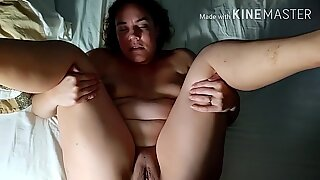 Amateur curvy wife gets tight ass fucked and creampied