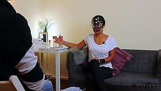 Sexterapeut giver kantende håndjob og bliver bankende oral creampie a28