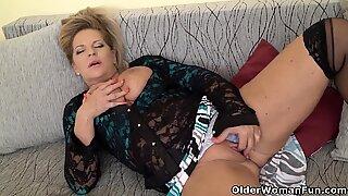 Euro gilf Ellis Shine needs to fulfill her sexual desires